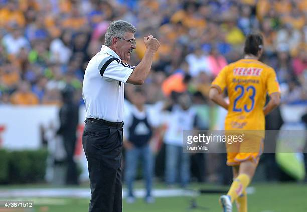 Ricardo Ferretti coach of Tigres gives instructions to his players during a quarterfinal second leg match between Tigres UANL and Santos Laguna as...