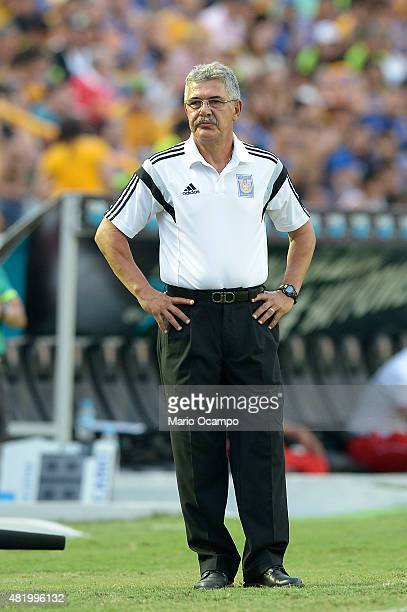 Ricardo Ferretti coach of Tigres reacts during a 1st round match between Tigres UANL and Toluca as part of the Apertura 2015 Liga MX at Universitario...