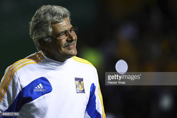 Ricardo Ferretti coach of Tigres smiles during the Final second leg match between Tigres UANL and America as part of the Torneo Apertura 2016 Liga MX...