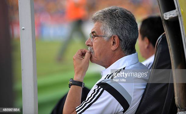 Ricardo Ferretti head coach of Tigres looks on during a 7th round match between Tigres UANL and Queretaro as part of the Apertura 2015 Liga MX at...
