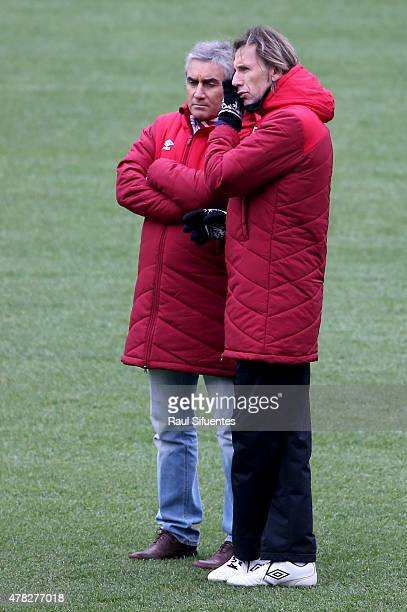 Ricardo Gareca coach of Peru during a training session as part of 2015 Copa America Chile at Estadio German Becker on June 24 2015 in Temuco Chile