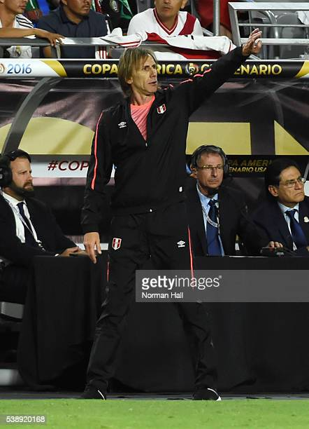 Ricardo Gareca coach of Peru gives instructions to his players during a group B match between Ecuador and Peru as part of Copa America Centenario US...