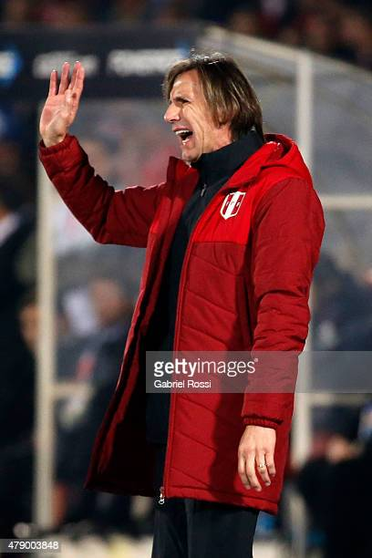 Ricardo Gareca coach of Peru shouts instructions to his players during the 2015 Copa America Chile Semi Final match between Chile and Peru at...