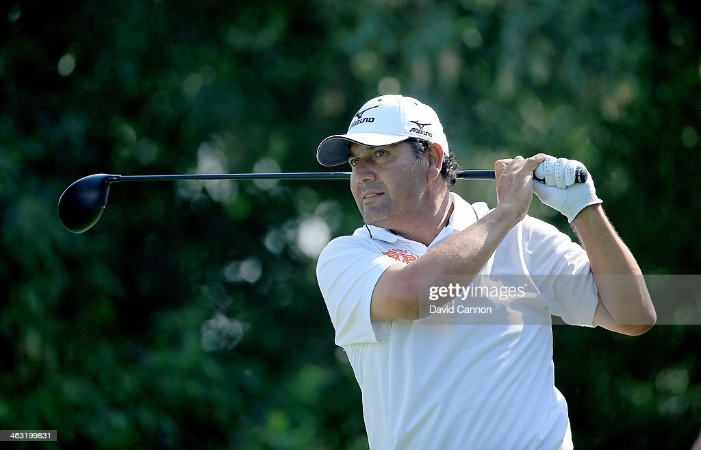 <a gi-track='captionPersonalityLinkClicked' href=/galleries/search?phrase=Ricardo+Gonzalez&family=editorial&specificpeople=240556 ng-click='$event.stopPropagation()'>Ricardo Gonzalez</a> of Argentina plays his tee shot at the par 4, 17th hole during the second round of the 2014 Abu Dhabi HSBC Golf Championship at Abu Dhabi Golf Club on January 17, 2014 in Abu Dhabi, United Arab Emirates.