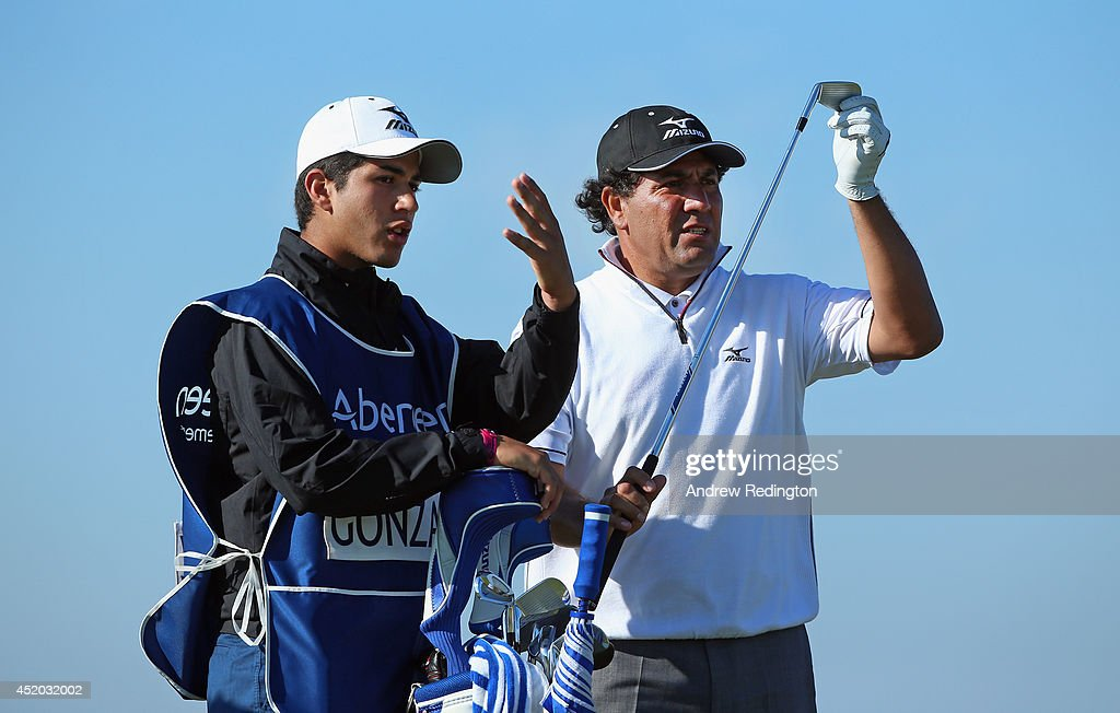 <a gi-track='captionPersonalityLinkClicked' href=/galleries/search?phrase=Ricardo+Gonzalez&family=editorial&specificpeople=240556 ng-click='$event.stopPropagation()'>Ricardo Gonzalez</a> of Spain waits with his caddie on the eighth hole during the second round of the Aberdeen Asset Management Scottish Open at Royal Aberdeen on July 11, 2014 in Aberdeen, Scotland.