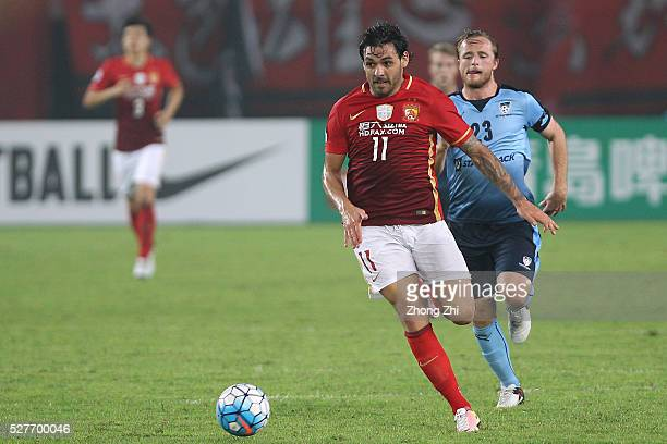 Ricardo Goulart of Guangzhou Evergrande in action during the AFC Asian Champions League match between Guangzhou Evergrande FC and Sydney FC at Tianhe...