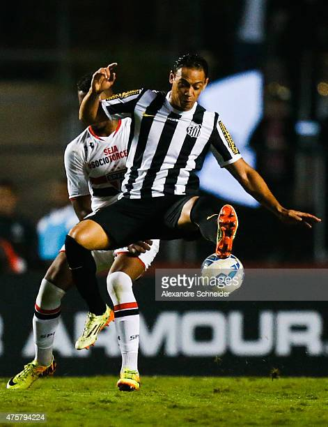 Ricardo Oliveira of Santos in action during the match between Sao Paulo and Santos for the Brazilian Series A 2015 at Morumbi stadium on June 03 2015...