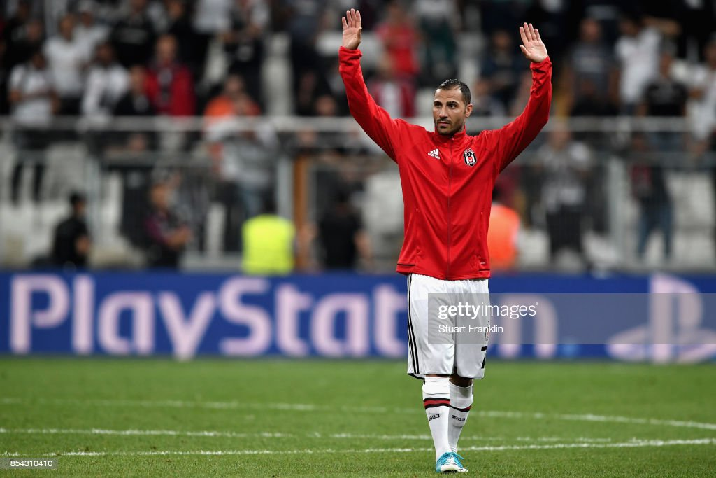 Ricardo Quaresma of Besiktas salutes the crowd after the UEFA Champions League Group G match between Besiktas and RB Leipzig at Besiktas Park on September 26, 2017 in Istanbul, Turkey.