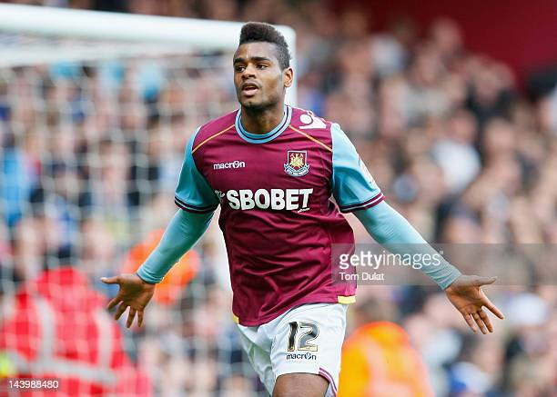 Ricardo Vaz Te of West Ham United celebrates scoring his side's second goal during the nPower Championship Playoff Semi Final 2nd Leg between West...