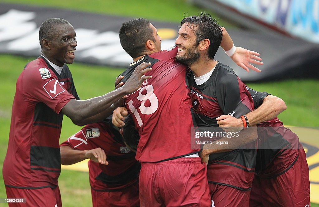 Riccardo Colombo of Reggina celebrates with Giuseppe Rizzo and teammates after scoring their team's third goal during the Serie B match between...