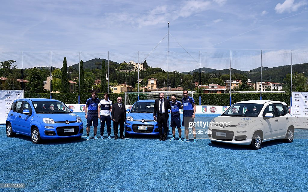 <a gi-track='captionPersonalityLinkClicked' href=/galleries/search?phrase=Riccardo+Montolivo&family=editorial&specificpeople=605846 ng-click='$event.stopPropagation()'>Riccardo Montolivo</a>, Head Coach Italy <a gi-track='captionPersonalityLinkClicked' href=/galleries/search?phrase=Antonio+Conte&family=editorial&specificpeople=2379002 ng-click='$event.stopPropagation()'>Antonio Conte</a>, President FIGC <a gi-track='captionPersonalityLinkClicked' href=/galleries/search?phrase=Carlo+Tavecchio&family=editorial&specificpeople=5365308 ng-click='$event.stopPropagation()'>Carlo Tavecchio</a>, COO FCA Alfredo Altavilla, <a gi-track='captionPersonalityLinkClicked' href=/galleries/search?phrase=Alessandro+Florenzi&family=editorial&specificpeople=7349992 ng-click='$event.stopPropagation()'>Alessandro Florenzi</a> and <a gi-track='captionPersonalityLinkClicked' href=/galleries/search?phrase=Leonardo+Bonucci&family=editorial&specificpeople=6166090 ng-click='$event.stopPropagation()'>Leonardo Bonucci</a> attend Unveil New Panda Azzurri Car at Coverciano on May 26, 2016 in Florence, Italy.