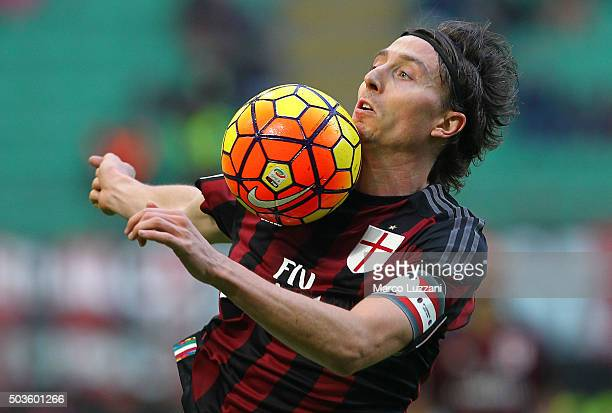 Riccardo Montolivo of AC Milan controls the ball during the Serie A match between AC Milan and Bologna FC at Stadio Giuseppe Meazza on January 6 2016...
