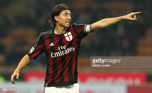 Riccardo Montolivo of AC Milan gestures during the Serie A match between AC Milan and Atalanta BC at Stadio Giuseppe Meazza on November 7 2015 in...