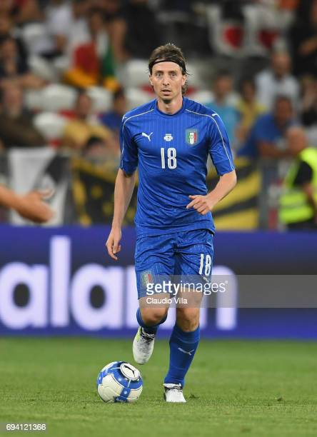 Riccardo Montolivo of Italy in action during the International Friendly match between Italy and Uruguay at Allianz Riviera Stadium on June 7 2017 in...