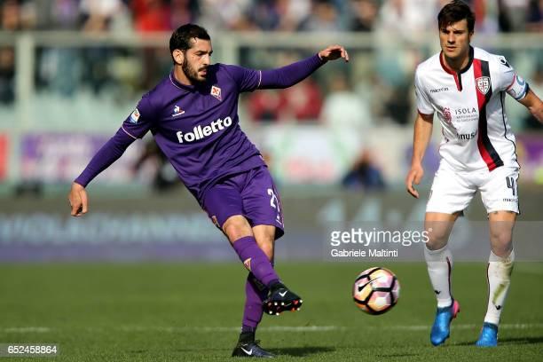 Riccardo Saponara of ACF Fiorentina in actioin during the Serie A match between ACF Fiorentina and Cagliari Calcio at Stadio Artemio Franchi on March...