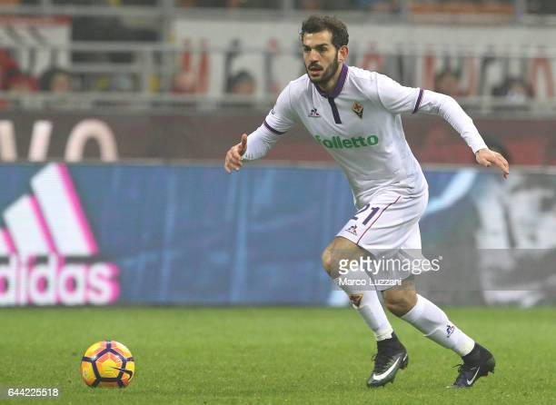 Riccardo Saponara of ACF Fiorentina in action during the Serie A match between AC Milan and ACF Fiorentina at Stadio Giuseppe Meazza on February 19...