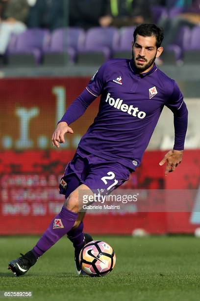 Riccardo Saponara of ACF Fiorentina in action during the Serie A match between ACF Fiorentina and Cagliari Calcio at Stadio Artemio Franchi on March...