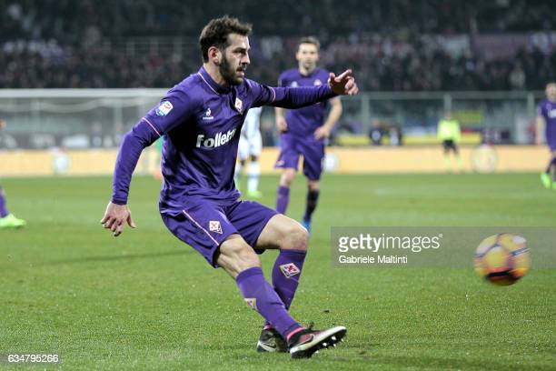 Riccardo Saponara of ACF Fiorentina reacts during the Serie A match between ACF Fiorentina and Udinese Calcio at Stadio Artemio Franchi on February...