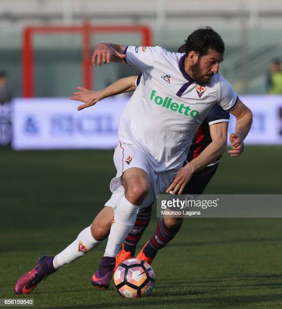 Riccardo Saponara of Fiorentina during the Serie A match between FC Crotone and ACF Fiorentina at Stadio Comunale Ezio Scida on March 19 2017 in...
