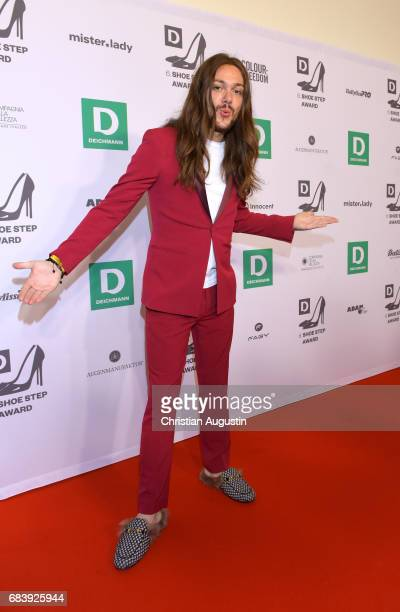 Riccardo Simonetti attends the Deichmann Shoe Step of the year award at Curio Haus on May 16 2017 in Hamburg Germany