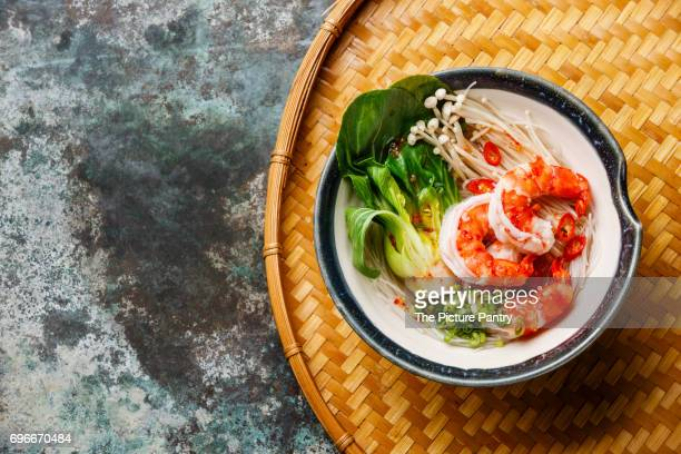 Rice noodles with Shrimps, Bok choy cabbage and Enoki mushrooms