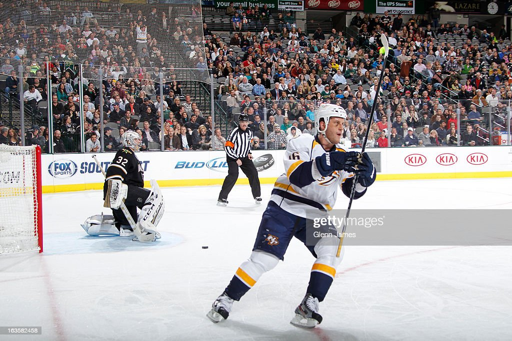 Rich Clune #16 of the Nashville Predators scores a penalty shot goal against <a gi-track='captionPersonalityLinkClicked' href=/galleries/search?phrase=Kari+Lehtonen&family=editorial&specificpeople=211612 ng-click='$event.stopPropagation()'>Kari Lehtonen</a> #32 of the Dallas Stars at the American Airlines Center on March 12, 2013 in Dallas, Texas.