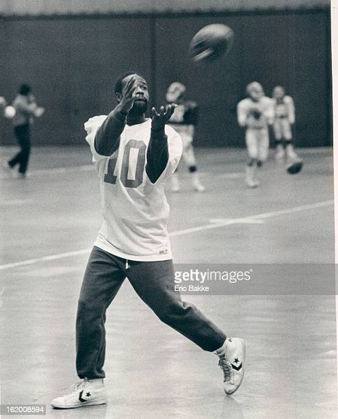 DEC 21 1983 DEC 22 1983 Rich Upchurch of the Denver Broncos