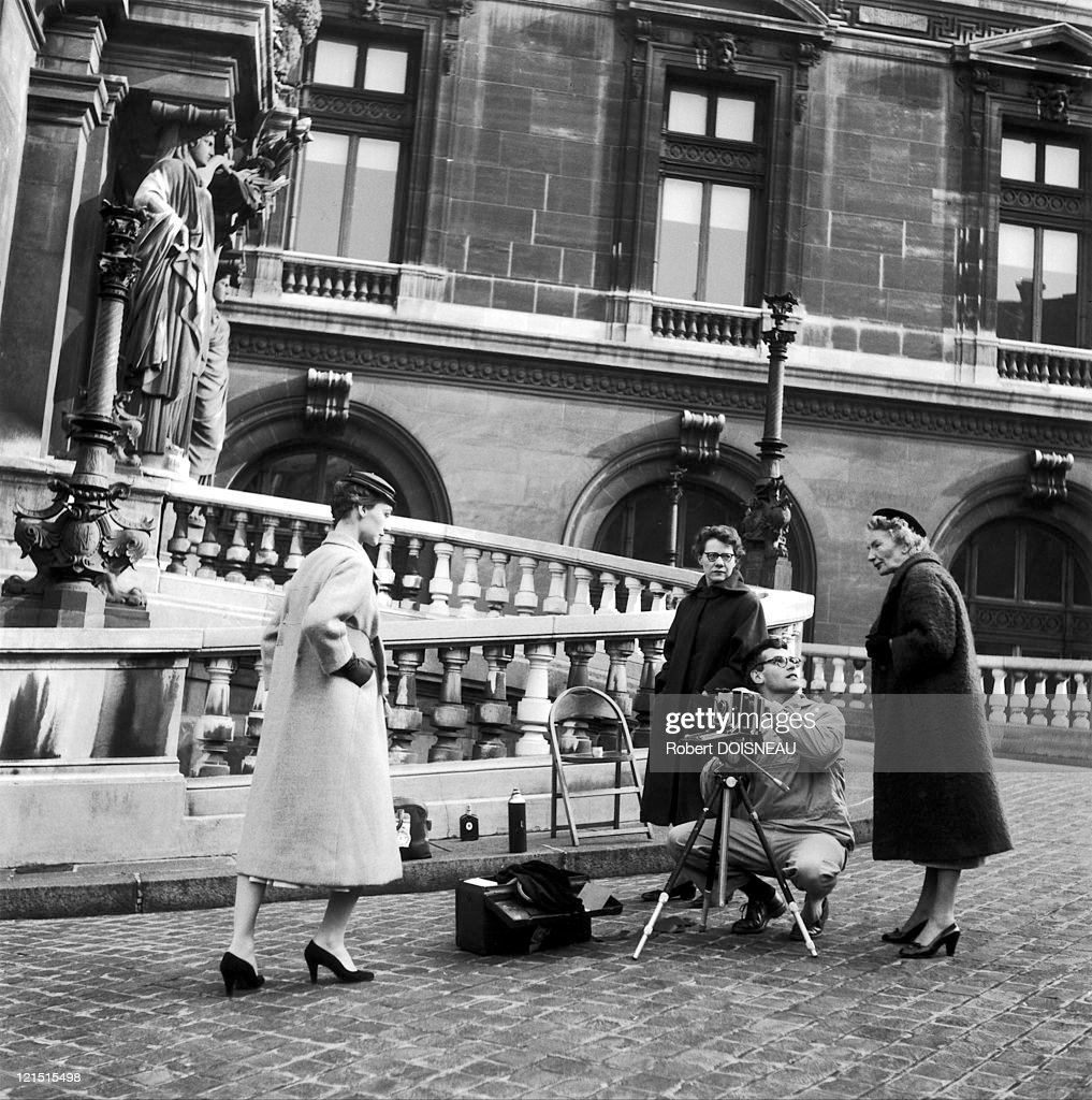 <a gi-track='captionPersonalityLinkClicked' href=/galleries/search?phrase=Richard+Avedon&family=editorial&specificpeople=657819 ng-click='$event.stopPropagation()'>Richard Avedon</a>, Dior Model, In Front Of The Paris Opera