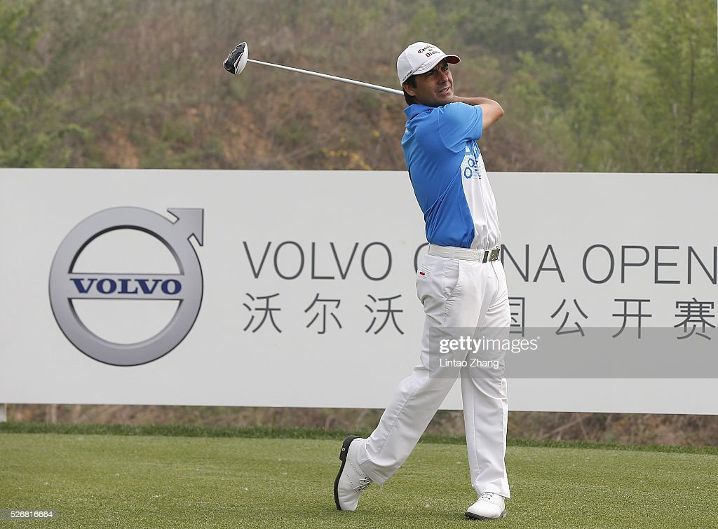 <a gi-track='captionPersonalityLinkClicked' href=/galleries/search?phrase=Richard+Bland&family=editorial&specificpeople=576940 ng-click='$event.stopPropagation()'>Richard Bland</a> of England plays a shot during the final round of the Volvo China open at Topwin Golf and Country Club on May 1, 2016 in Beijing, China.