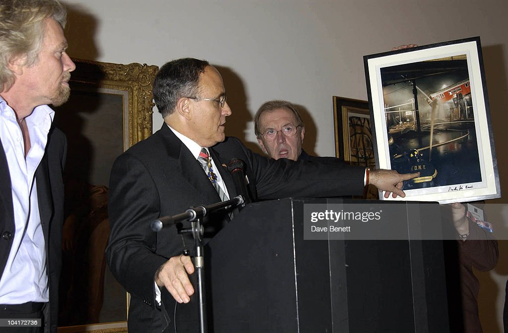 Richard Branson & Rudolph Giuliani, Charity Auction For Signed Photos For Twin Towers Fund, At The Royal Academy Of Arts, Piccadilly, London