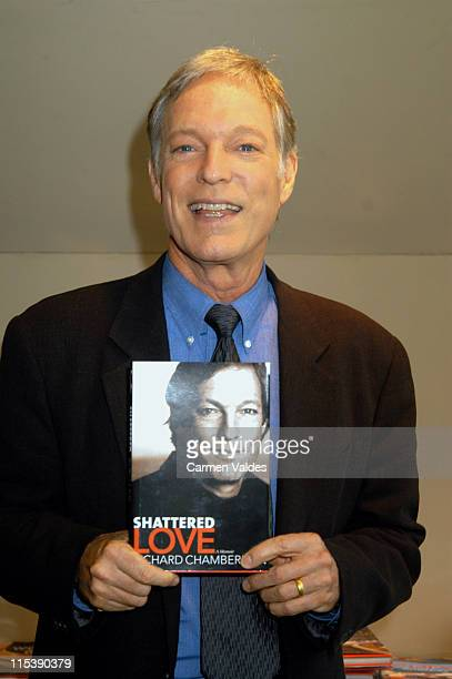 Richard Chamberlain during Richard Chamberlain Book Signing for 'Towards Love' at Barnes Noble Bookstore Broadway 66th in New York New York United...