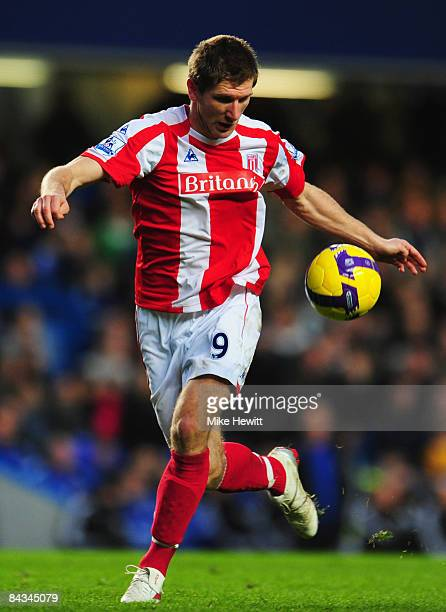 Richard Cresswell of Stoke City in action during the Barclays Premier League match between Chelsea and Stoke City at Stamford Bridge on January 19...