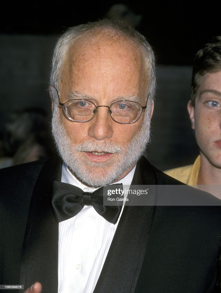 <a gi-track='captionPersonalityLinkClicked' href=/galleries/search?phrase=Richard+Dreyfuss&family=editorial&specificpeople=216584 ng-click='$event.stopPropagation()'>Richard Dreyfuss</a> during Hollywood Bowl Hall of Fame Honoring <a gi-track='captionPersonalityLinkClicked' href=/galleries/search?phrase=Garth+Brooks&family=editorial&specificpeople=206288 ng-click='$event.stopPropagation()'>Garth Brooks</a> and John Williams in Hollywood, California, United States.