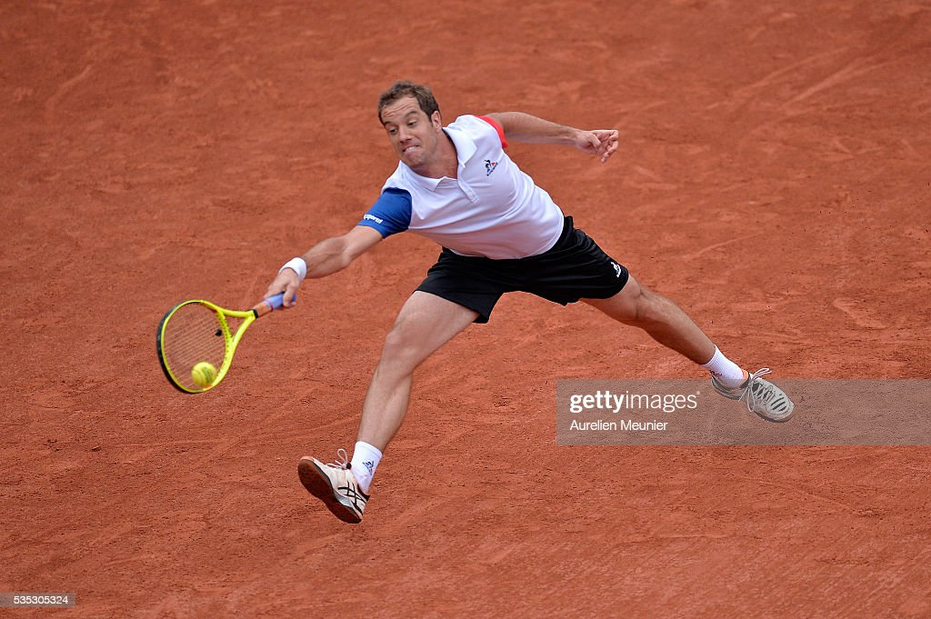 <a gi-track='captionPersonalityLinkClicked' href=/galleries/search?phrase=Richard+Gasquet&family=editorial&specificpeople=206501 ng-click='$event.stopPropagation()'>Richard Gasquet</a> of France plays a forehand during his men's singles fourth round match against Kei Nishikori of Japan on day eight of the 2016 French Open at Roland Garros on May 29, 2016 in Paris, France.