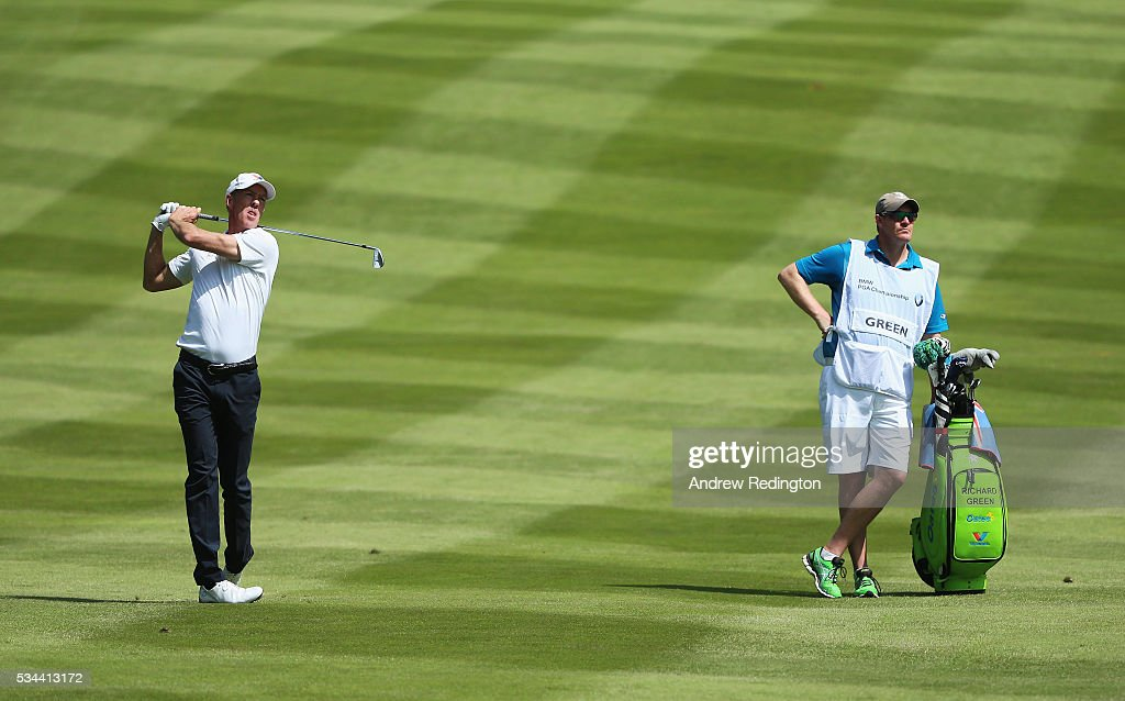 <a gi-track='captionPersonalityLinkClicked' href=/galleries/search?phrase=Richard+Green&family=editorial&specificpeople=210649 ng-click='$event.stopPropagation()'>Richard Green</a> of Australia hits his 2nd shot on tne 4th hole during day one of the BMW PGA Championship at Wentworth on May 26, 2016 in Virginia Water, England.