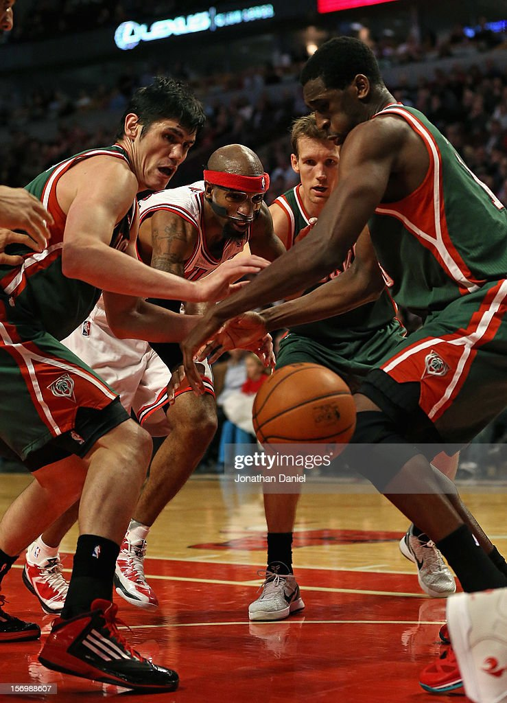 Richard Hamilton #32 of the Chicago Bulls looses control of the ball between (L-R) Ersan Ilyasova #7, Mike Dunleavy #17 and Ekpe Udoh #13 of the Milwaukee Bucks at the United Center on November 26, 2012 in Chicago, Illinois. The Bucks defeated the Bulls 93-92.