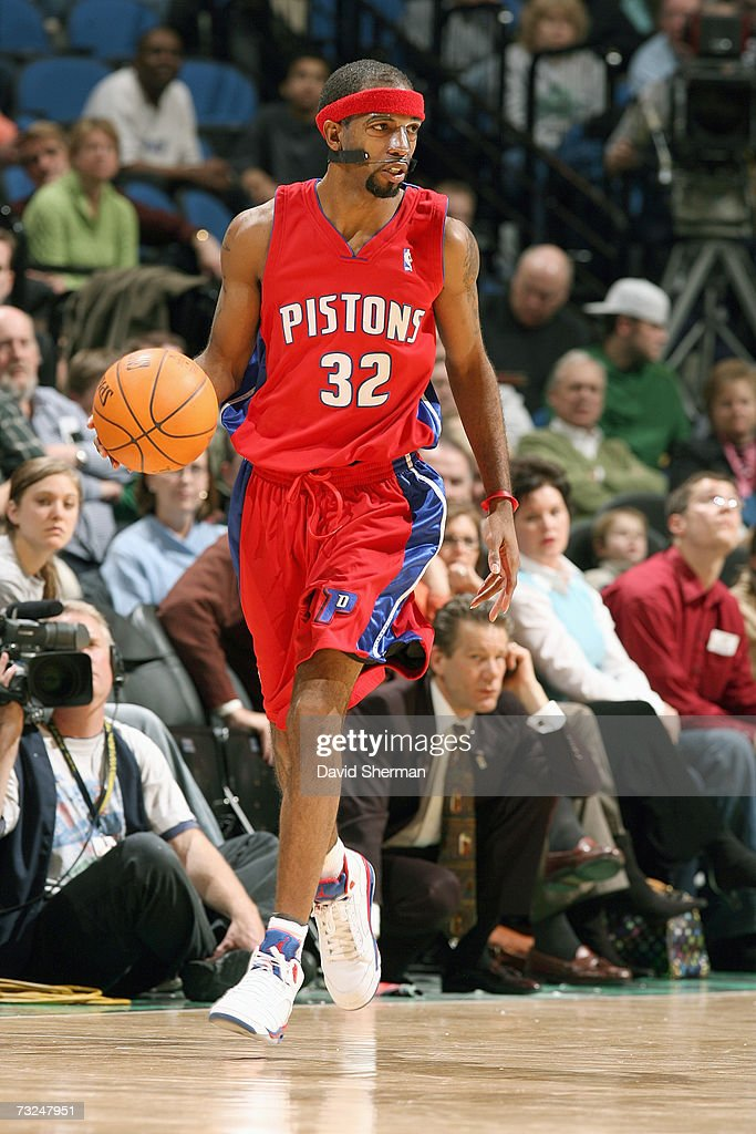 Richard Hamilton #32 of the Detroit Pistons dribbles against the Minnesota Timberwolves during the game at Target Center on January 19, 2007 in Minneapolis, Minnesota. The Pistons won 104-98.