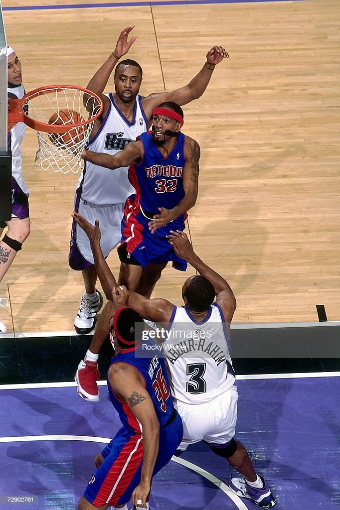 Richard Hamilton #32 of the Detroit Pistons goes for a layup against Shareef Abdur-Rahim #3 of the Sacramento Kings during a game at Arco Arena on November 8, 2006 in Sacramento, California. The Kings won 99-86.