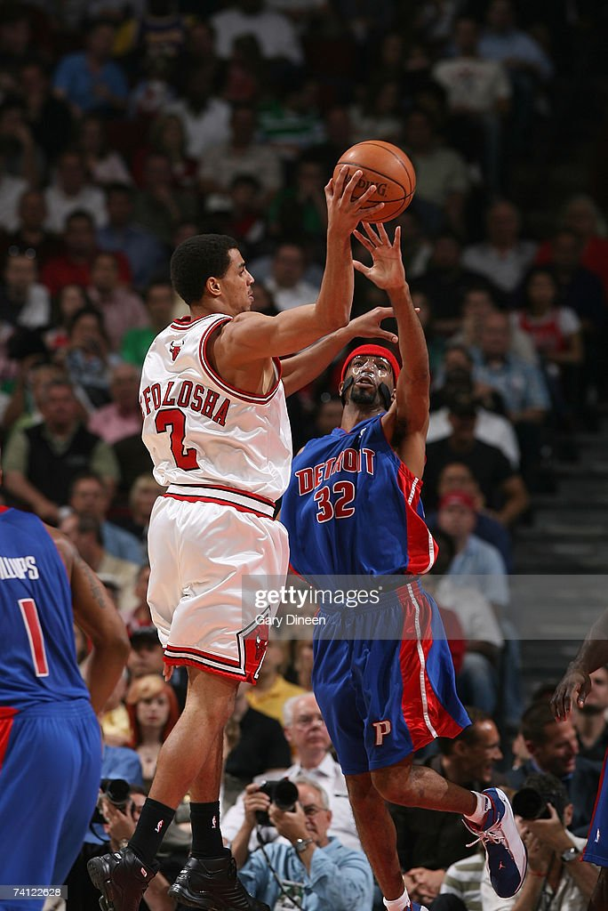 Richard Hamilton #32 of the Detroit Pistons guards against Thabo Sefolosha #2 of the Chicago Bulls while passing in Game Three of the Eastern Conference Semifinals during the 2007 NBA Playoffs at the United Center on May 10, 2007 in Chicago, Illinois.