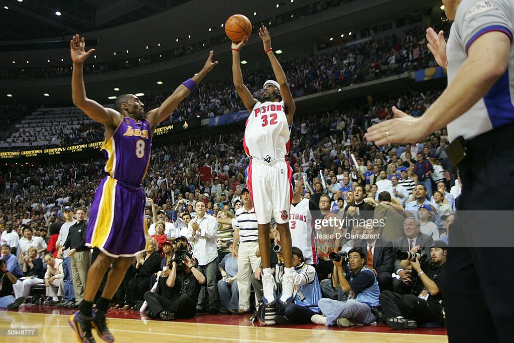 Richard Hamilton #32 of the Detroit Pistons shoots over <a gi-track='captionPersonalityLinkClicked' href=/galleries/search?phrase=Kobe+Bryant&family=editorial&specificpeople=201466 ng-click='$event.stopPropagation()'>Kobe Bryant</a> #8 of the Los Angeles Lakers in Game three of the 2004 NBA Finals on June 10, 2004 at The Palace of Auburn Hills in Auburn Hills, Michigan.