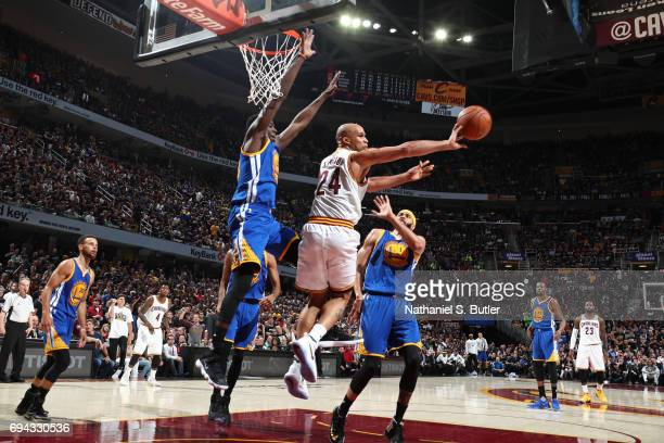 Richard Jefferson of the Cleveland Cavaliers drives to the basket and passes the ball against the Golden State Warriors in Game Four of the 2017 NBA...