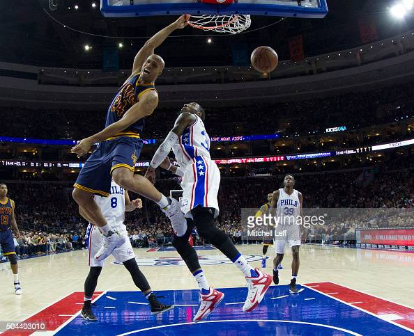 Richard Jefferson of the Cleveland Cavaliers dunks the ball past Robert Covington of the Philadelphia 76ers on January 10 2016 at the Wells Fargo...