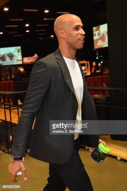 Richard Jefferson of the Cleveland Cavaliers enters the arena before the game against the Golden State Warriors during Game Three of the 2017 NBA...
