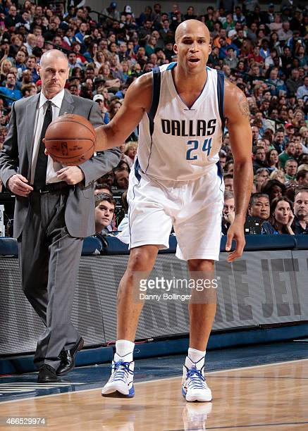 Richard Jefferson of the Dallas Mavericks handles the ball against the Los Angeles Clippers on March 13 2015 at the American Airlines Center in...