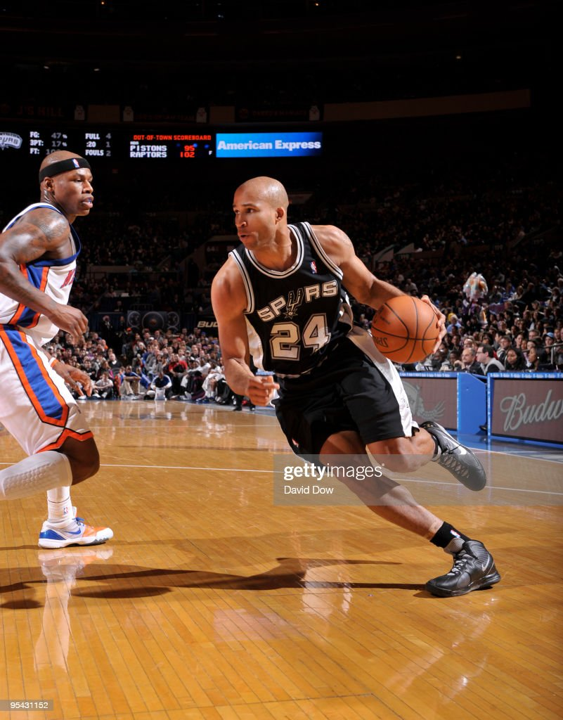 <a gi-track='captionPersonalityLinkClicked' href=/galleries/search?phrase=Richard+Jefferson&family=editorial&specificpeople=201688 ng-click='$event.stopPropagation()'>Richard Jefferson</a> #24 of the San Antonio Spurs drives against <a gi-track='captionPersonalityLinkClicked' href=/galleries/search?phrase=Al+Harrington&family=editorial&specificpeople=201645 ng-click='$event.stopPropagation()'>Al Harrington</a> #7 the New York Knicks on December 27, 2009 at Madison Square Garden in New York City.