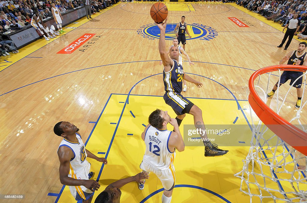 <a gi-track='captionPersonalityLinkClicked' href=/galleries/search?phrase=Richard+Jefferson&family=editorial&specificpeople=201688 ng-click='$event.stopPropagation()'>Richard Jefferson</a> #24 of the Utah Jazz shoots against the Golden State Warriors on April 6, 2014 at Oracle Arena in Oakland, California.