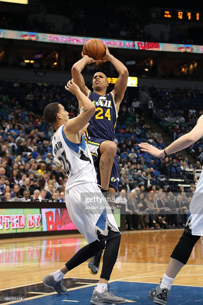 <a gi-track='captionPersonalityLinkClicked' href=/galleries/search?phrase=Richard+Jefferson&family=editorial&specificpeople=201688 ng-click='$event.stopPropagation()'>Richard Jefferson</a> #24 of the Utah Jazz shoots the ball against the Minnesota Timberwolves on April 16, 2014 at Target Center in Minneapolis, Minnesota.