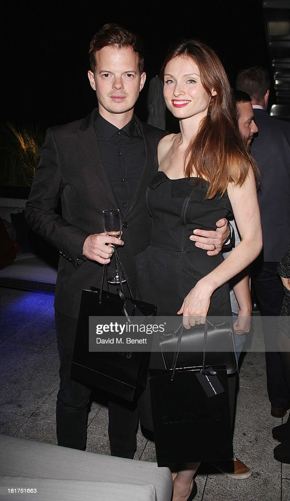 Richard Jones and <a gi-track='captionPersonalityLinkClicked' href=/galleries/search?phrase=Sophie+Ellis-Bextor&family=editorial&specificpeople=213313 ng-click='$event.stopPropagation()'>Sophie Ellis-Bextor</a> attend the Samsung Galaxy Gear and Note 3 launch event at the Radio Rooftop Bar, Hotel Me London on September 24, 2013 in London, England.