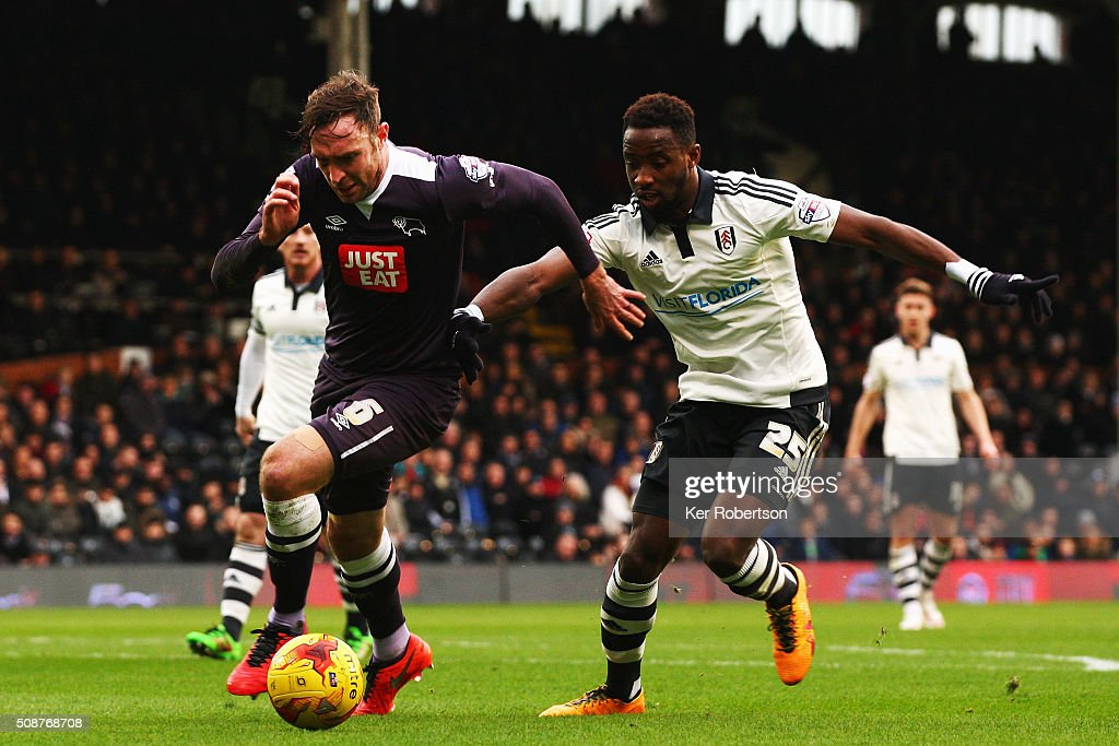 Richard Keogh of Derby County holds off Moussa Dembele of Fulham during the Sky Bet Championship match between Fulham and Derby County at Craven Cottage on February 6, 2016 in London, England.