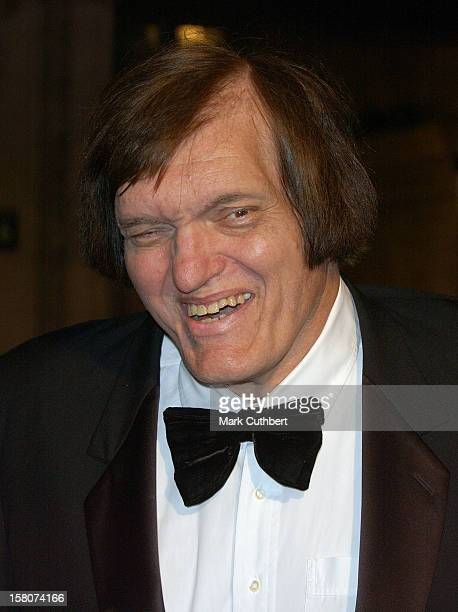 Richard Kiel Attends The James Bond 'Die Another Day' Royal World Premiere At London'S Royal Albert Hall